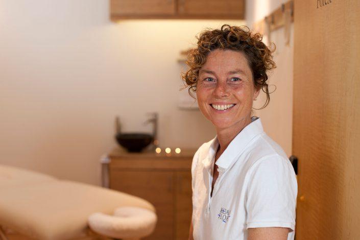 koanfloat-masseur-Frances-Walker